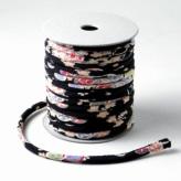 ちりめん丸ひも・柄・4ミリ(実寸約5-6ミリ) 小桜・黒