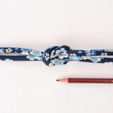 ちりめん丸ひも・柄・8ミリ(実寸約9-10ミリ)春爛漫・紺
