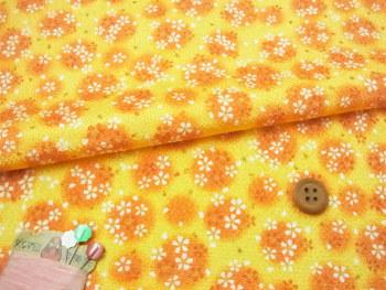 ちりめん・ぼかしに桜(黄色):カットクロス