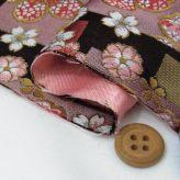 金襴生地(金らん)色紙文にモダン桜(黒/赤)