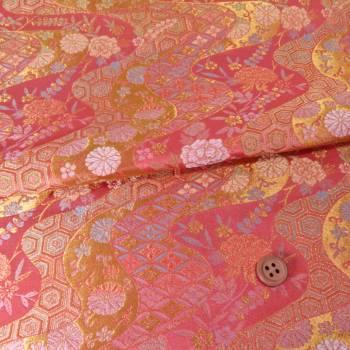金襴生地(金らん) 花と伝統柄の金波模様(さんご色)