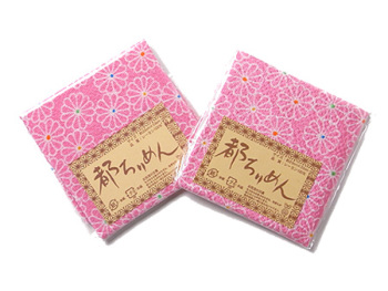ちりめんカットクロス・菊紋(ピンク)23×33cm