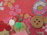 ちりめん・かごめに花と鼓(赤):カットクロス