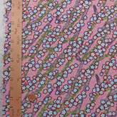ちりめん生地 短冊のしに縁取り小桜(ピンク)