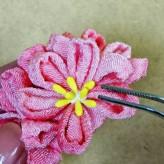 つまみ細工 桜とさくらんぼのブローチ