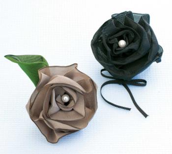 キット・たたみテープで作る バラのコサージュ(黒×ベージュ)